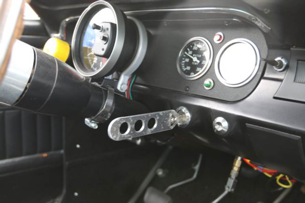 1966-ford-mustang-gauges