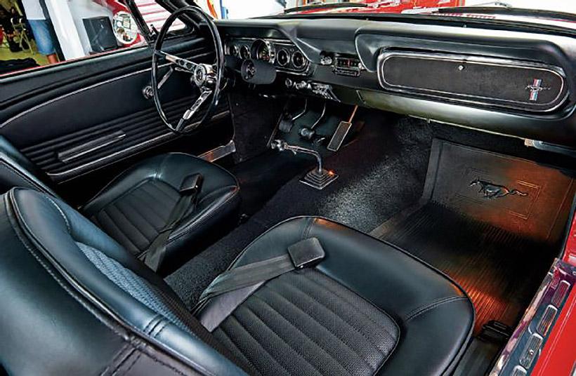 1966-ford-mustang-interior