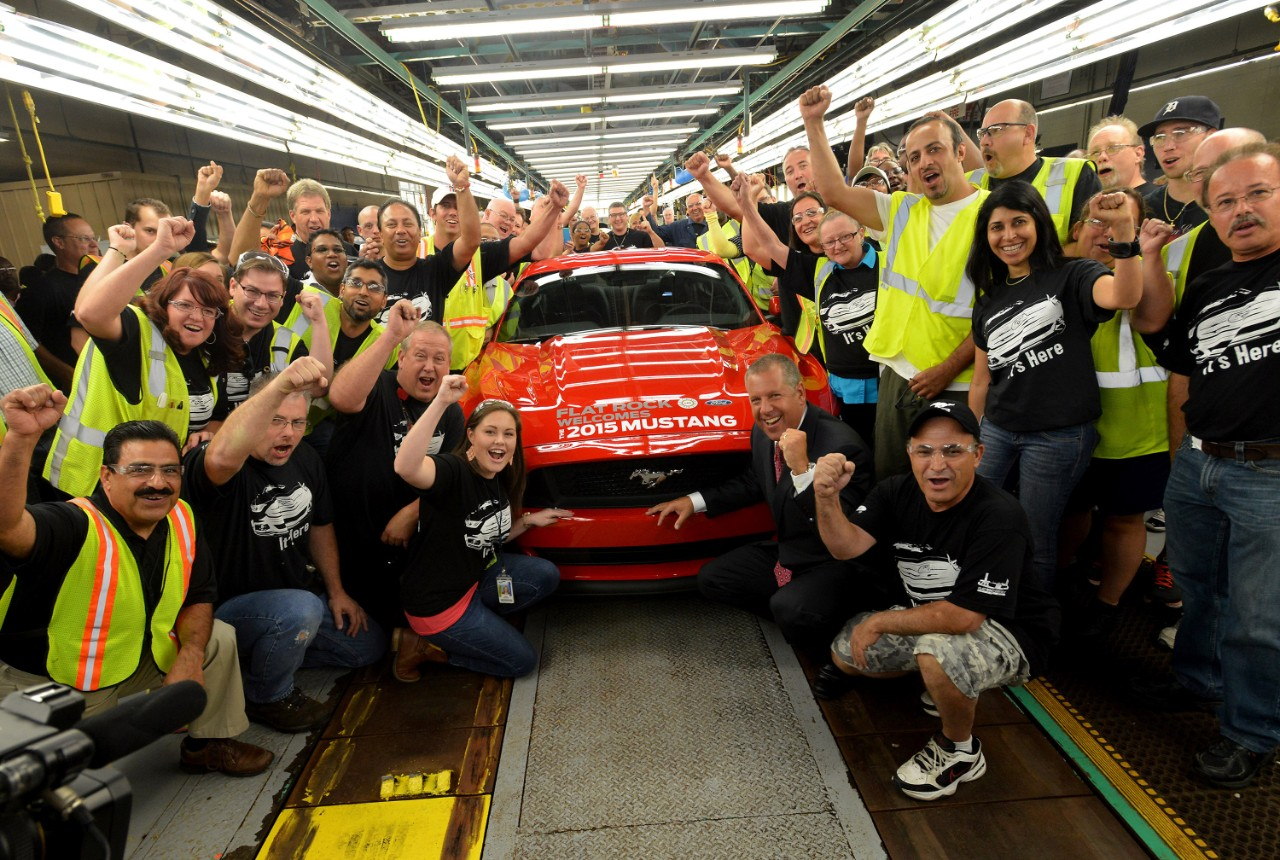 Ford Factory Flat Rock starts production of 2015 Mustang 02