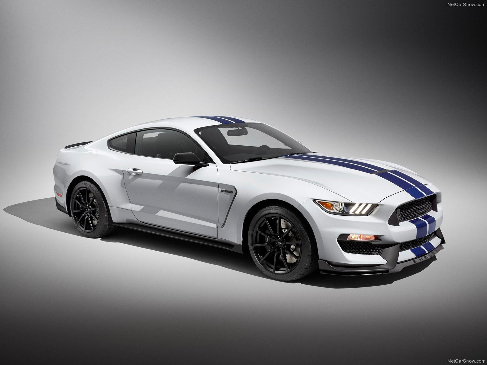 Ford-Mustang_Shelby_GT350